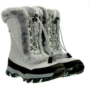 Girls mountain Ware house boots. Brand New.